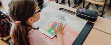 Digitalisierung in der Schule   Bild von Steve Riot auf Pixabay