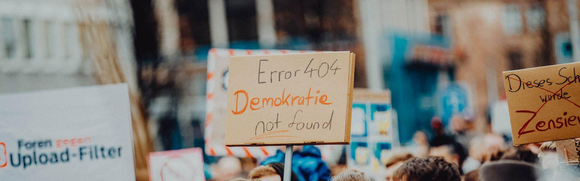 SichtWeisen: Sollte unsere Demokratie flüssig sein? | Photo by Markus Spiske on Unsplash