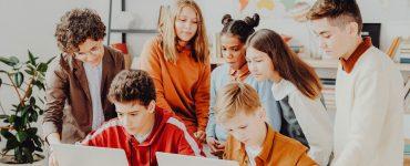 SichtWeisen | Lehrplan 2.0 | Foto von Max Fischer von Pexels